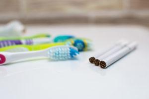 clinica dental maestro. El tabaquismo perjudica gravemente el blanqueamiento de dientes