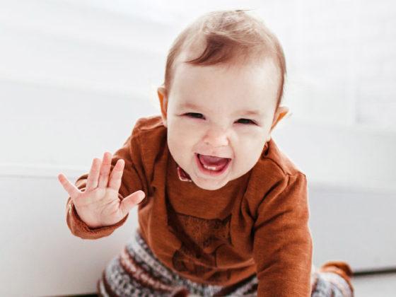 Clínica Dental Maestro. Niño sin hábito de succión dental que tendrá unos dientes sanos.