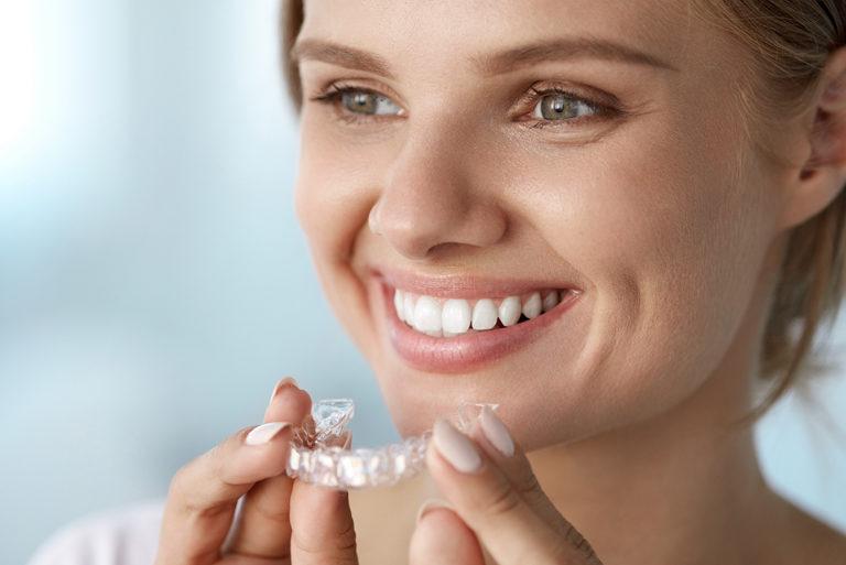 Ortodoncia Invisible o Brackets Convencionales