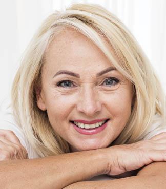 informacion implantes sonriendo